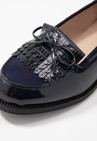Dorothy Perkins Wide Fit - WIDE FIT LETTY LOAFER - Instappers - navy - 2