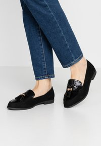 Dorothy Perkins Wide Fit - WIDE FIT LILLE LOAFER - Scarpe senza lacci - black - 0