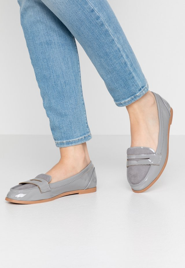 WIDE FIT LOYLE LOAFER - Mocassins - grey