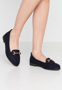 Dorothy Perkins Wide Fit - WIDE FIT LULA LOAFER - Scarpe senza lacci - navy - 0