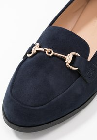 Dorothy Perkins Wide Fit - WIDE FIT LULA LOAFER - Scarpe senza lacci - navy - 2