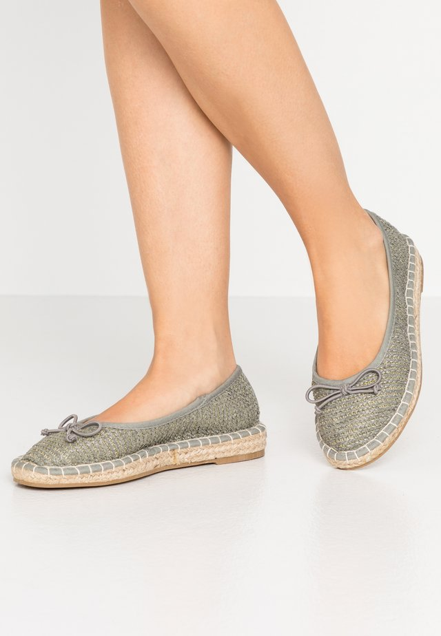 WIDE FITCHEL  - Espadryle - blue