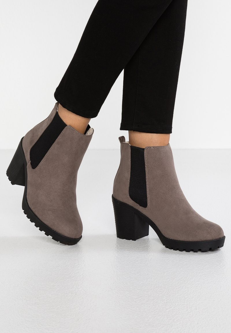 Dorothy Perkins Wide Fit - WIDE FIT AINSLEY - Ankle Boot - taupe