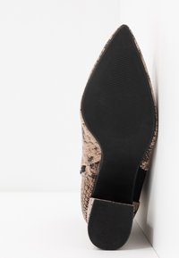 Dorothy Perkins Wide Fit - WIDE FIT AMICA CHELSEA - Tronchetti - brown - 6
