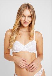 DORINA - LIANNE - Underwired bra - white - 0