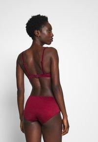DORINA - FILAOPADDED - Bikinitoppe - red - 3