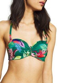 DORINA - MERIDA BANDEAU - Góra od bikini - green - 5