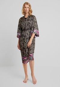 DORINA - DOLORES FLORAL DRESSING GOWNS - Župan - multi-coloured - 0