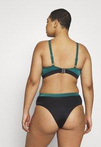DORINA CURVES - ATTICA HIGH WAIST BRIEF - Bikinibroekje - green - 2