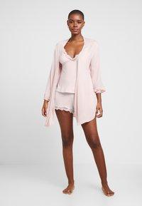 DORINA CURVES - ELENICAMISOLE - Pyjamasöverdel - pink - 1