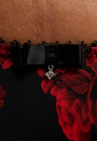 DORINA CURVES - ANDERSON FLORAL BRIEFS - Alushousut - red - 5