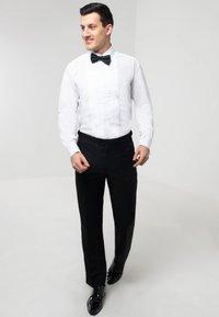 dobell - REGULAR FIT - Formal shirt - white - 1