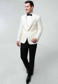 dobell - TUXEDO - Suit jacket - cream - 1