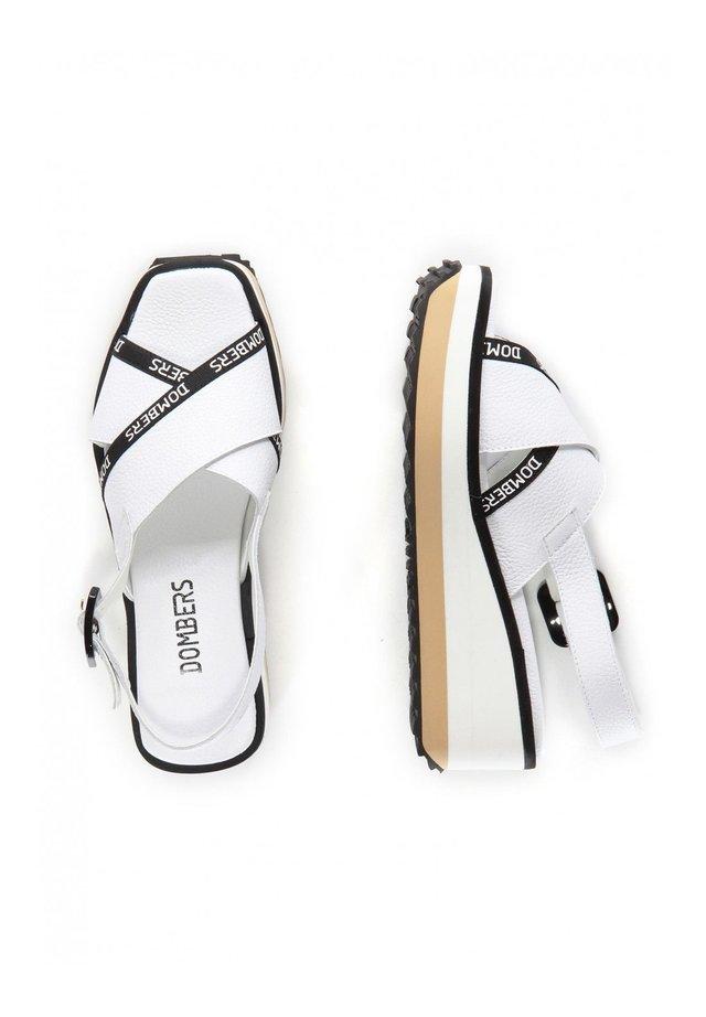 PEARL HEBILLA - Platform sandals - blanco