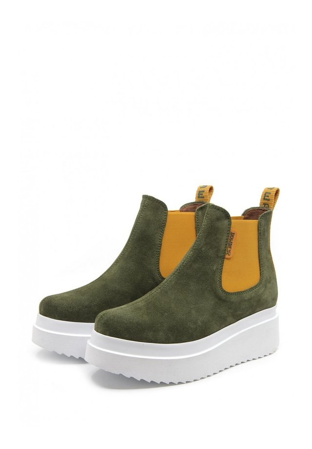 DISCOVERY - Ankle boots - verde oscuro