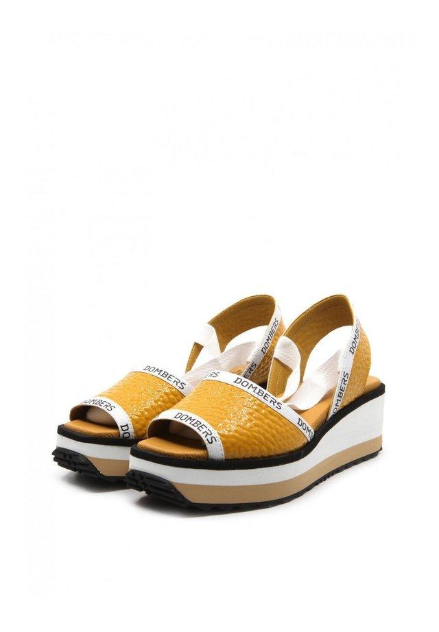 Platform sandals - ocre