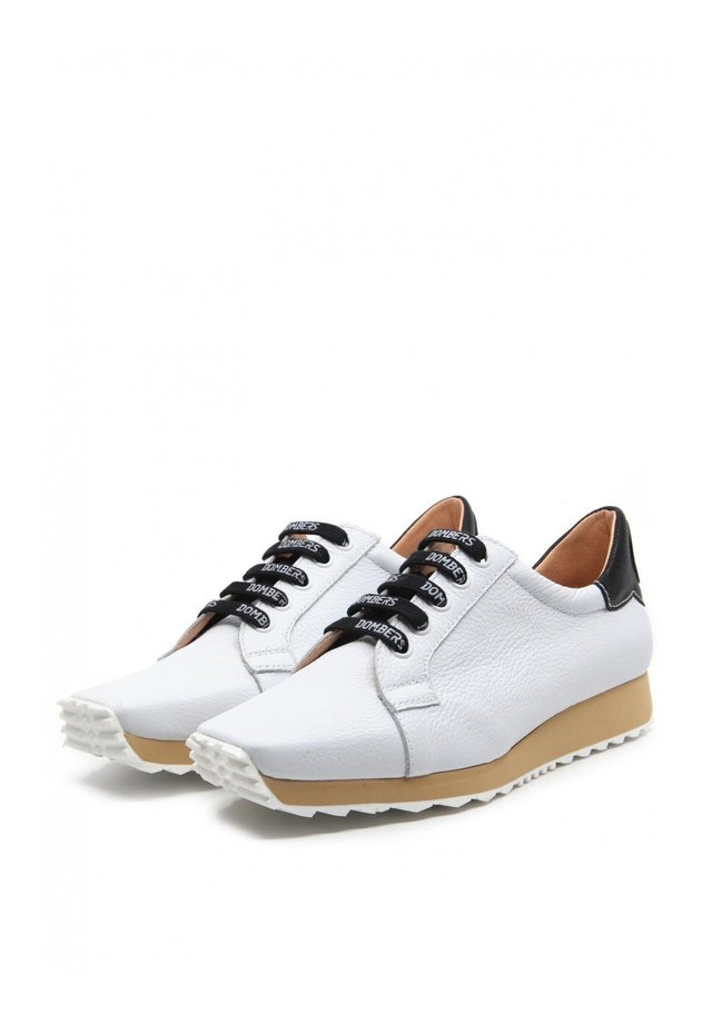 INNOVATE - Sneakers laag - blanco