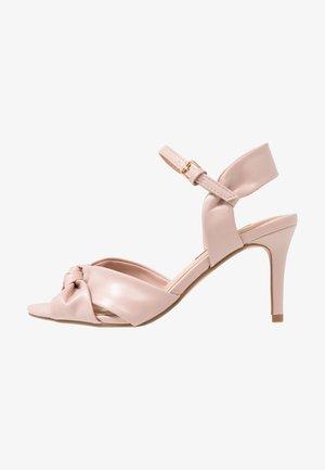 BREEZE - Sandały na obcasie - blush