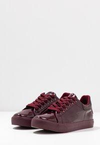 Dorothy Perkins - IRIS - Sneakers - burgundy - 4