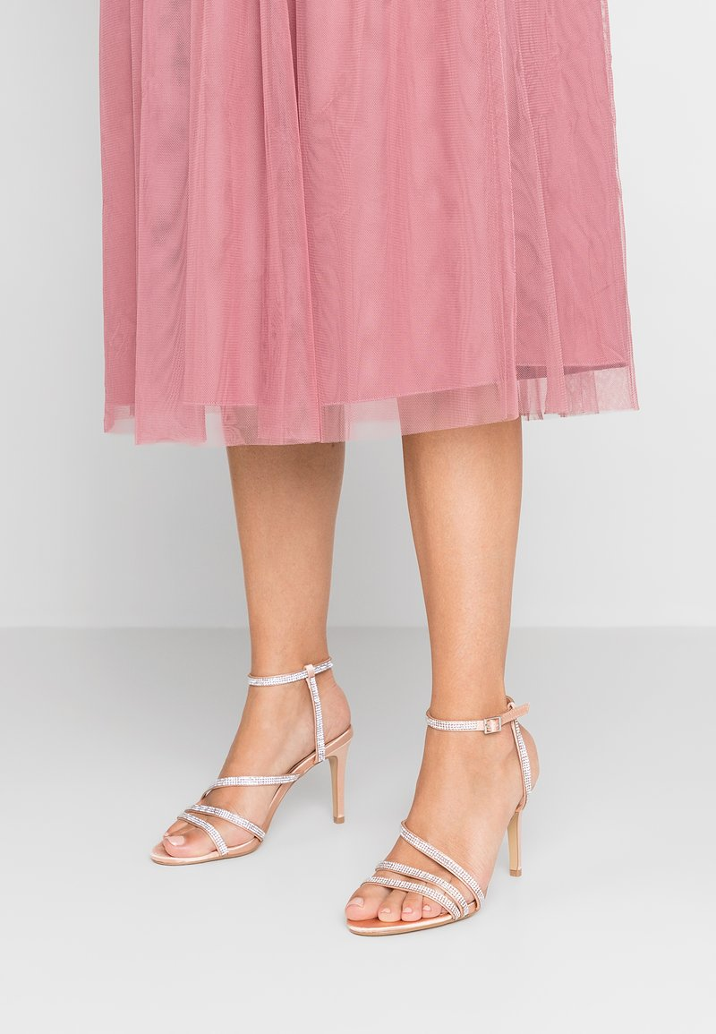 Dorothy Perkins - HEATSEAL ASYMETRIC - Sandaler med høye hæler - nude