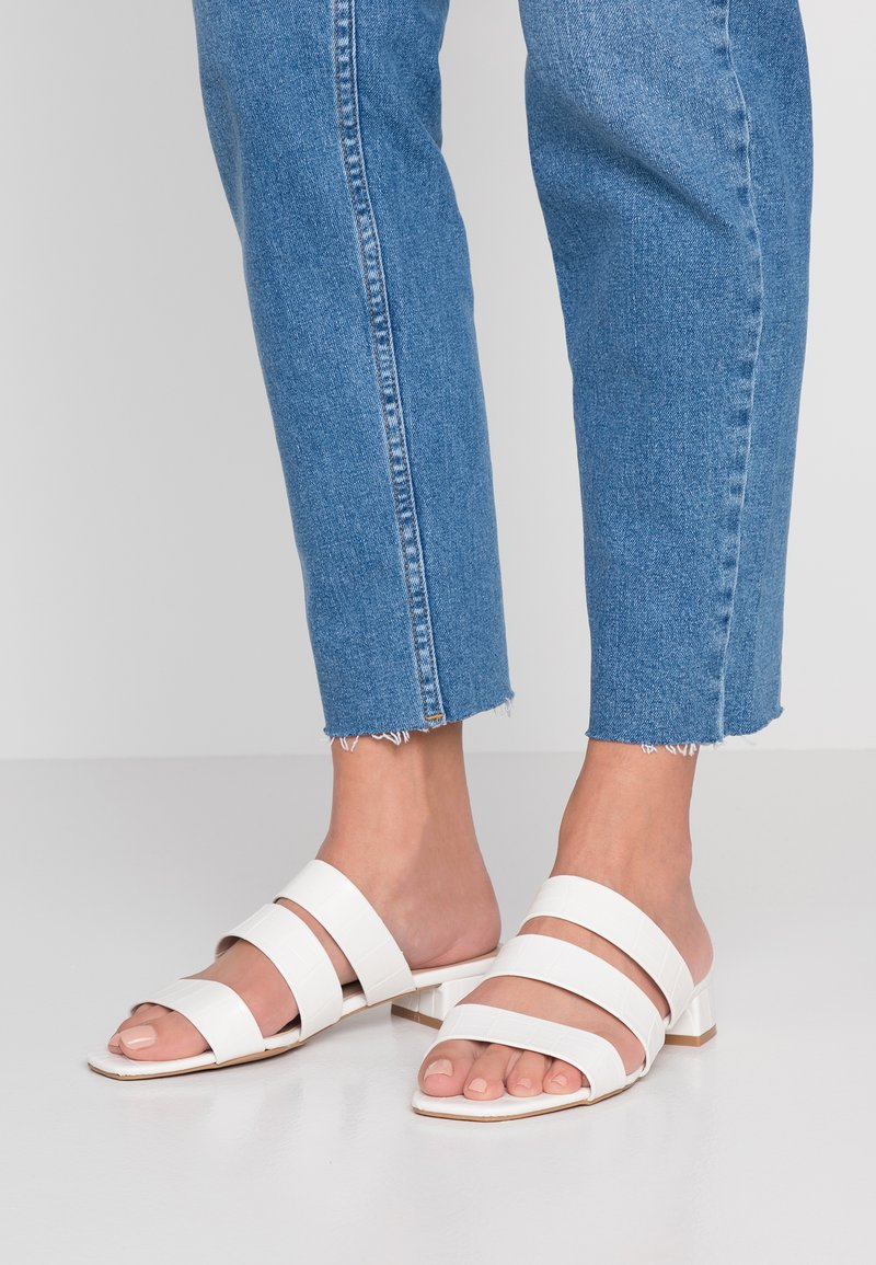 Dorothy Perkins - STORMY - Mules - white