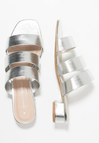 Dorothy Perkins - STORMY - Mules - silver - 3