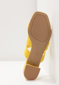 Dorothy Perkins - STORMY - Mules - yellow - 6