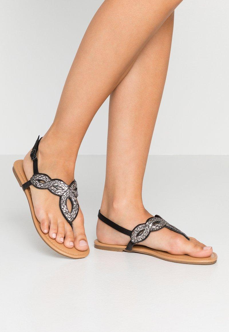 Dorothy Perkins - FREDDY EMBELLISHED TOE POST - Sandály s odděleným palcem - silver