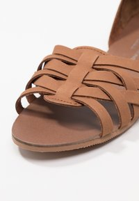 Dorothy Perkins - JINX - Sandals - tan - 2