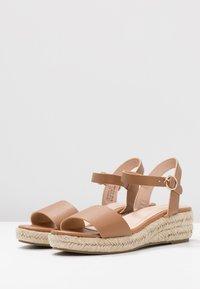 Dorothy Perkins - RHIANNON 2 PART FLATFORM - Platform sandals - tan - 4
