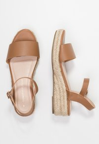 Dorothy Perkins - RHIANNON 2 PART FLATFORM - Platform sandals - tan - 3