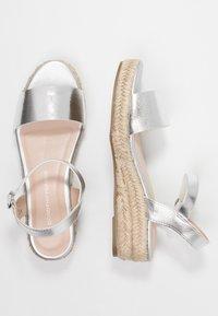 Dorothy Perkins - RHIANNON 2 PART FLATFORM - Platform sandals - silver - 3