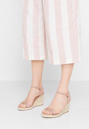 RHIA STRAP - Sandály na vysokém podpatku - blush