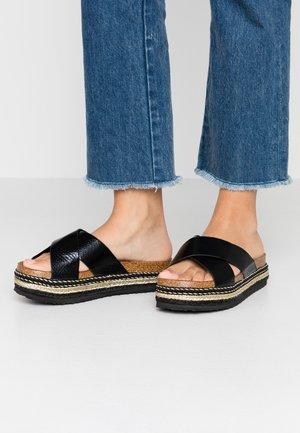 RUDY FLATFORM EMBELLISHED - Pantofle na podpatku - black