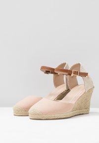 Dorothy Perkins - RAYA WEDGE - Sandály na platformě - nude - 4