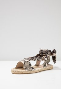 Dorothy Perkins - FRENCHIE ANKLE TIE - Sandals - nude - 4