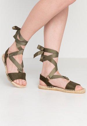 FRENCHIE ANKLE TIE - Sandaalit nilkkaremmillä - khaki
