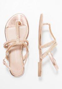 Dorothy Perkins - FARAWAY T-BAR TOEPOST - Sandály s odděleným palcem - rose-gold - 3