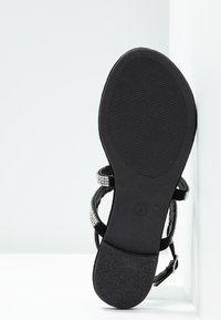 Dorothy Perkins - FARAWAY T-BAR TOEPOST - Sandály s odděleným palcem - black - 6