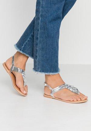 JEMMA - Sandály s odděleným palcem - silver