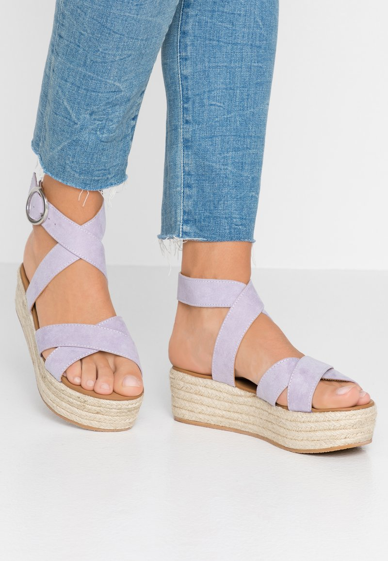 Dorothy Perkins - RALLY FLATFORM ANKLE STRAP - Sandalen met plateauzool - lilac