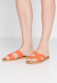 Dorothy Perkins - FAWCETT - Mules - orange - 0
