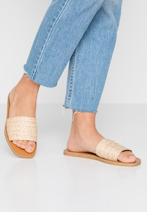 FLAVIA - Pantofle - neutral