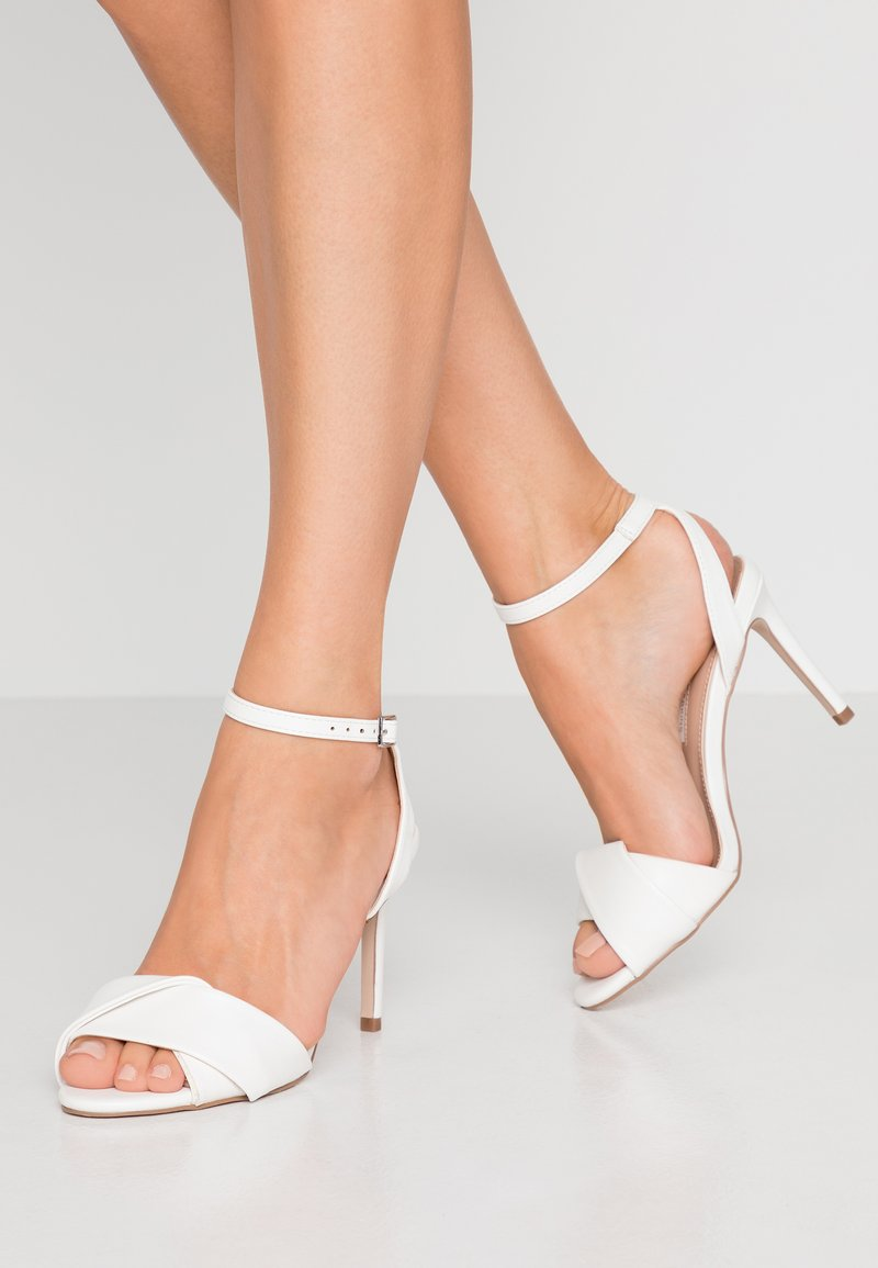 Dorothy Perkins - BETH ORIGAMI DRESSY - Sandales à talons hauts - white