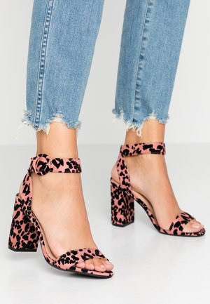 BLOCK  - Sandały na obcasie - pink