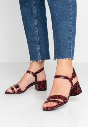 BINKIE - Sandals - red