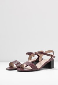 Dorothy Perkins - BRIGHT SQUARE TOE BLOCK HEEL - Sandali - burgundy - 4