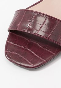 Dorothy Perkins - BRIGHT SQUARE TOE BLOCK HEEL - Sandali - burgundy - 2