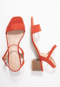 Dorothy Perkins - BRIGHT SQUARE TOE BLOCK HEEL - Sandały - orange - 3