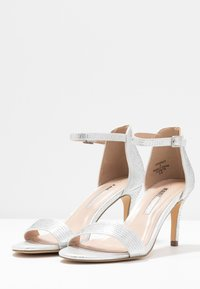 Dorothy Perkins - BESSIE HEATSEAL 2 PART  - Sandals - silver - 4
